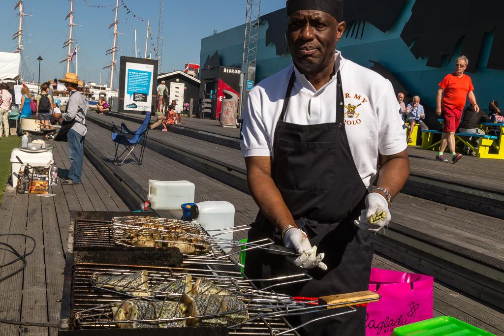 Elfenbenskusten bjuder på grillad Tilapia på Global Picnic Food Festival | Foto: Michael Krantz
